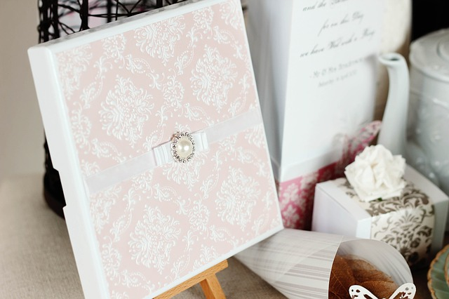 wedding-invitations-3392698_640